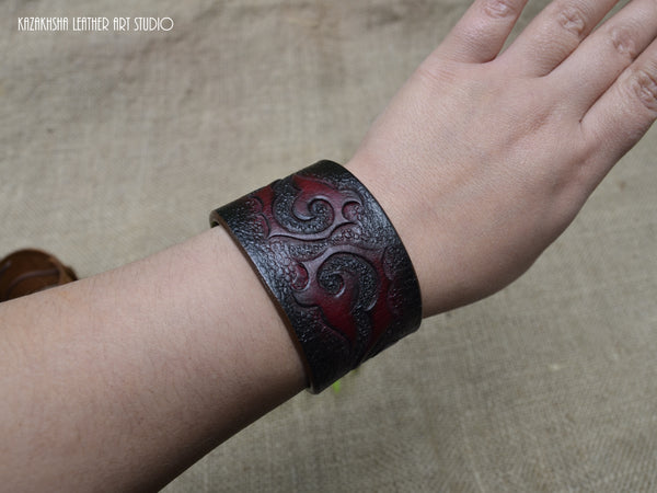 [Blue Dalmatian Stone Leather bracelet by Kazakhsha Style] - Kazakhsha Leather Art Studio