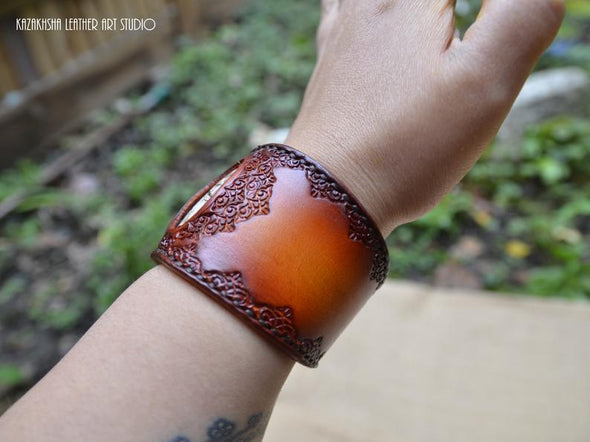 Crazy Lace Agate natural stone Leather Bracelet, Good luck stone - Kazakhsha Leather Art Studio