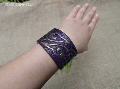 Kazakhsha leather bracelet in Purple and Gold, ethnic pattern - Kazakhsha Leather Art Studio