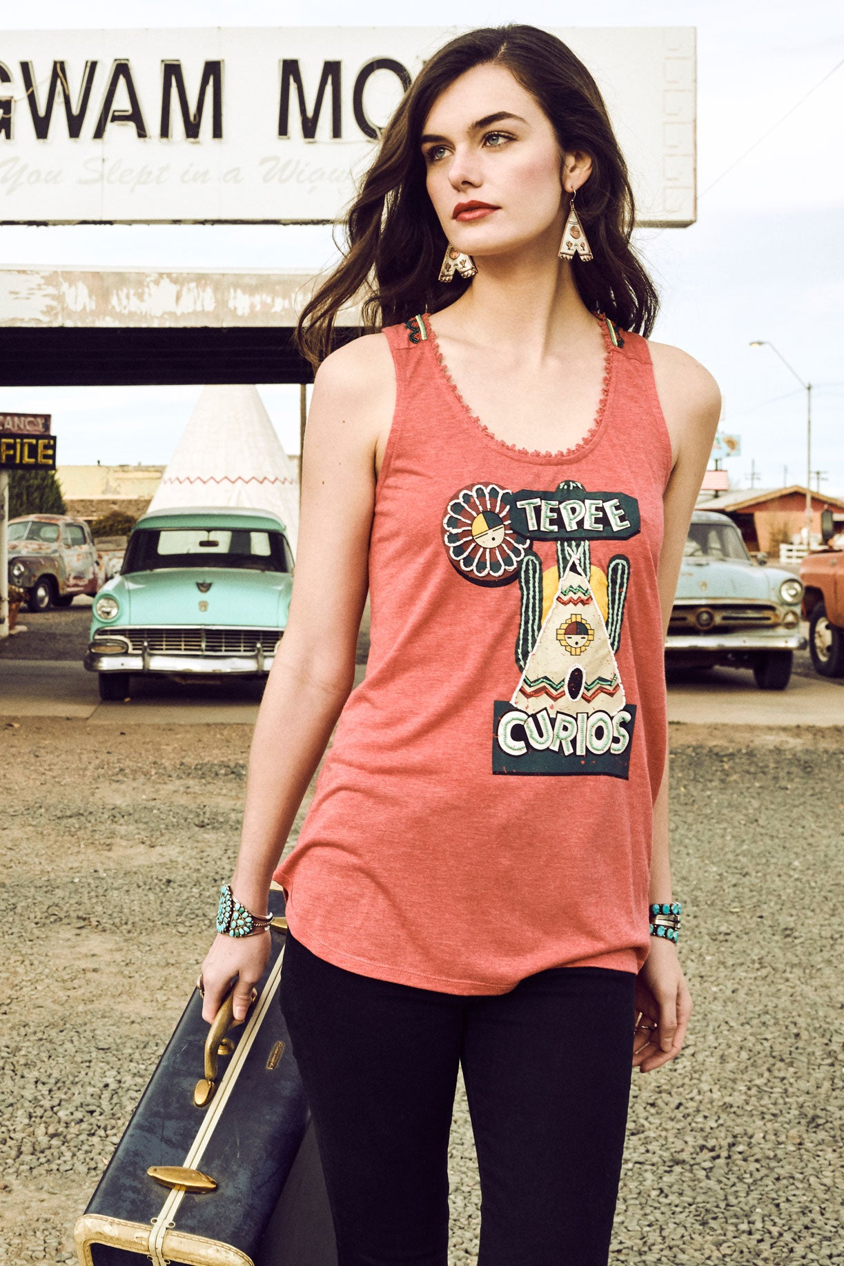 Curios Tepee Tank - Outlet