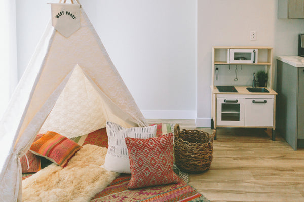 teepee with cushions for kids room