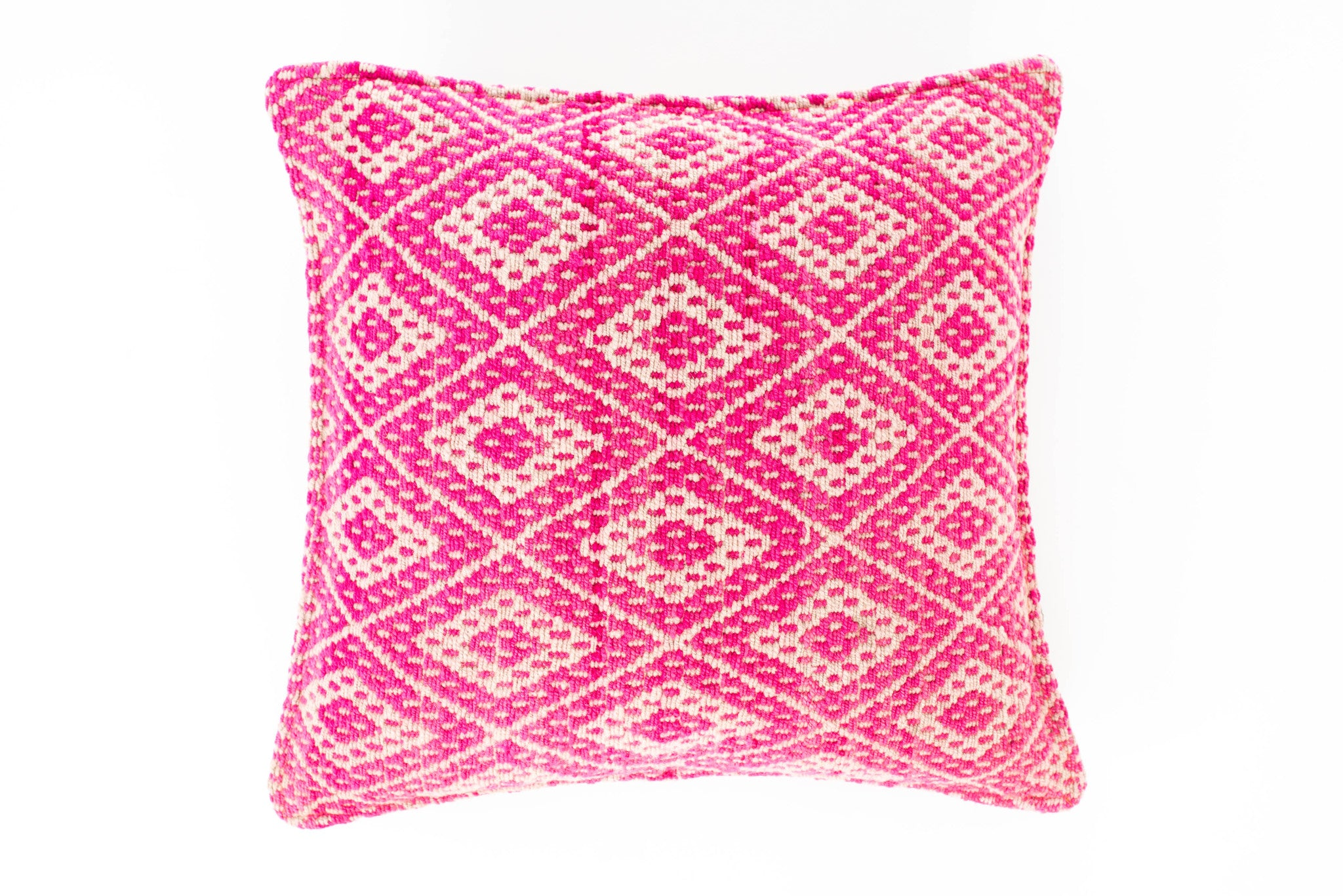 "EMANUEL FRAZADA CUSHION (18""x18"")"