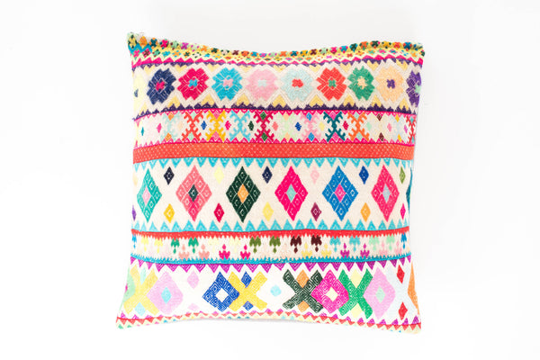 HAPPY VIBES GRECA CUSHION