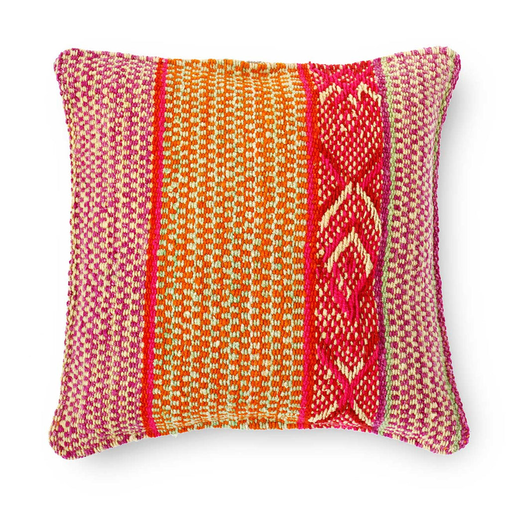 LAURA FRAZADA CUSHION (18x18)
