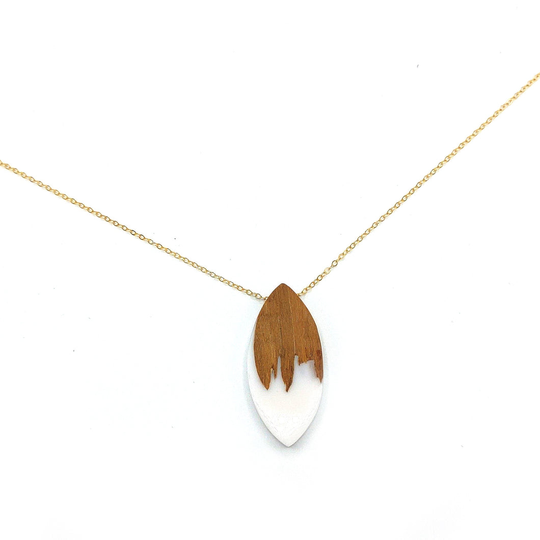 White Wood Resin Dainty Gold Rolo Necklace