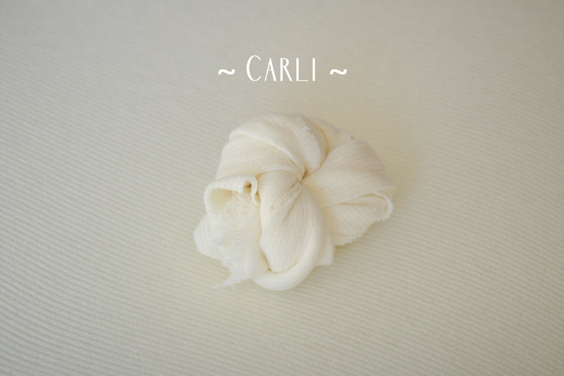 ~ Carli ~ rib knit fabric in off white