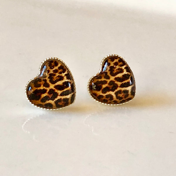 Classic Leopard Heart Studs in Silver - Juicy Gemz