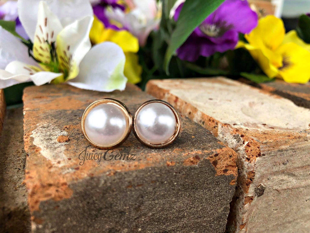 Classic Pearl Gold Setting Earrings - Juicy Gemz