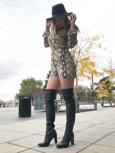 bt00 black with fur flap and lace ankle boot sleeve