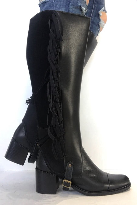bt00 tall sleeve black with fur flap and lace up detail