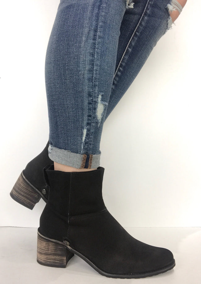 bt00 black suede wooden sole ankle boot - galibelle