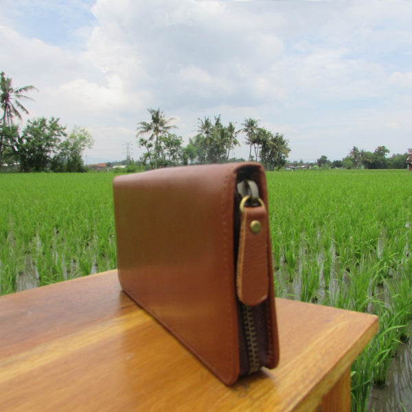 Brown Long Zipped Leather Travel Wallet | Dompet Kulit Travel Panjang Coklat - DeNesia Handmade Bags