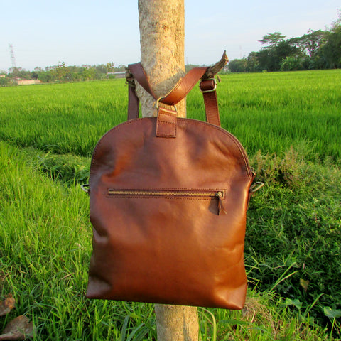 Tas Kulit Multifungsi Selempang dan Backpack | DeNesia Convertible Leather Bag