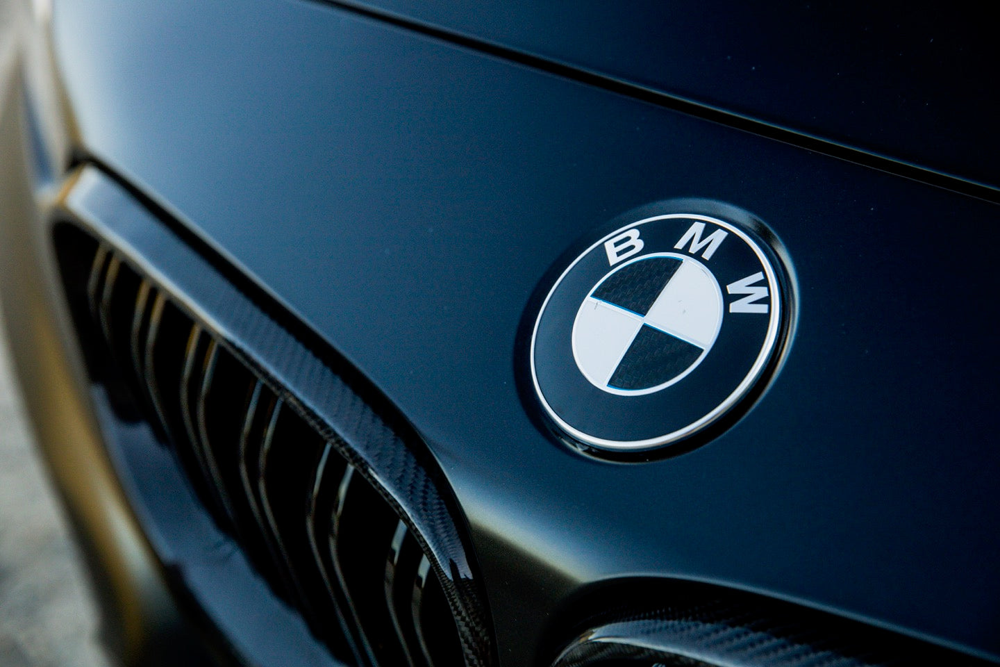 BMW ///M GRILLE - Exterior Accessories - Yomato Carbon - Montreal Canada