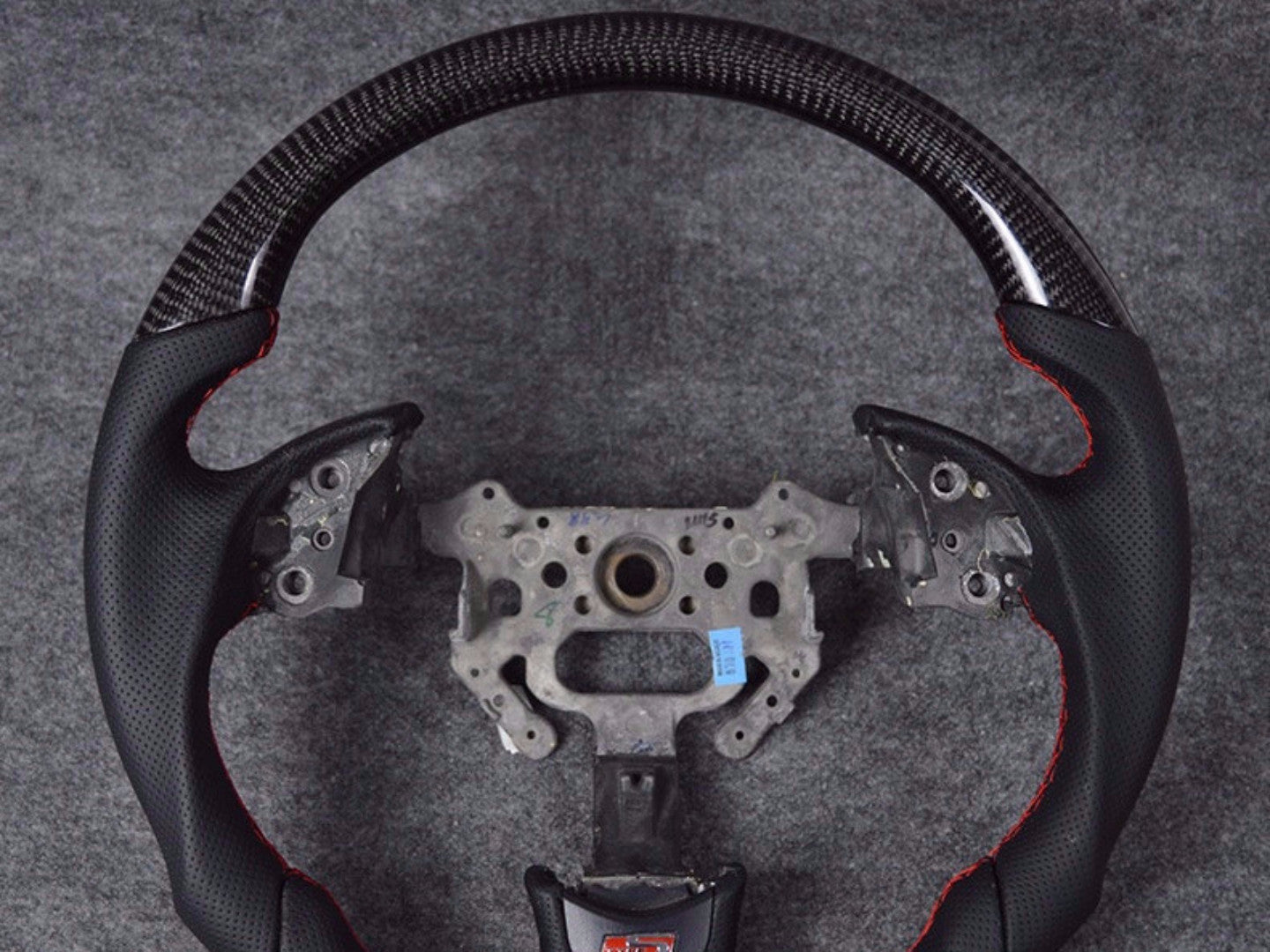 YOMATO BESPOKE STEERING WHEEL - Interior Accessories - Yomato Carbon - Montreal Canada