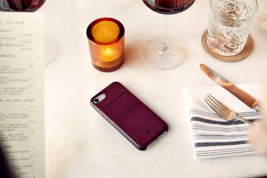 Twelve South RelaxedLeather case with Pockets for iPhone 7/8