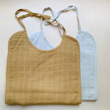 Load image into Gallery viewer, Haps Nordic Sui Muslin Bib Bib Neutral