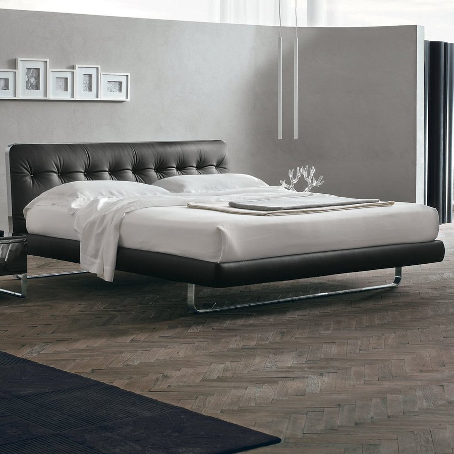 Blade Leather Bed | Urban Avenue