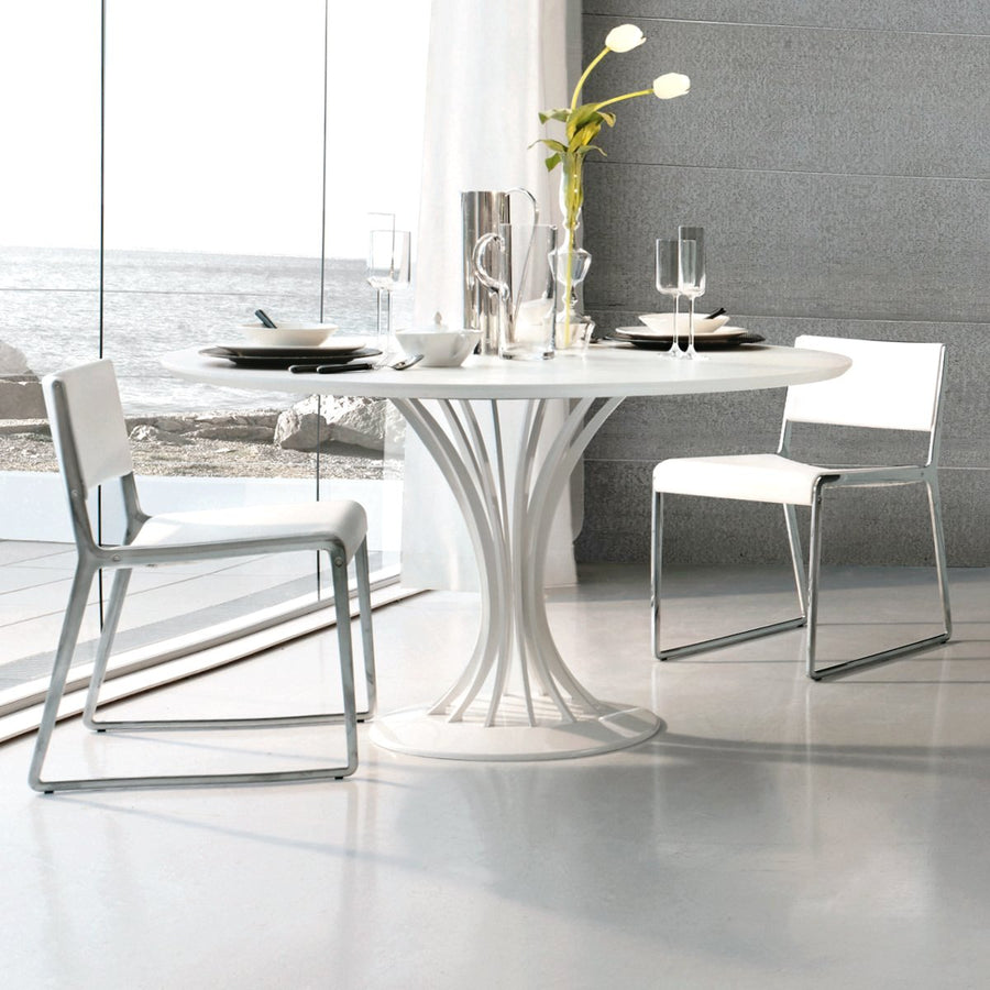 Radar Dining Table | Urban Avenue