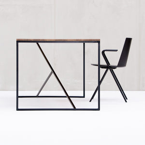 Oia Dining Table | Urban Avenue
