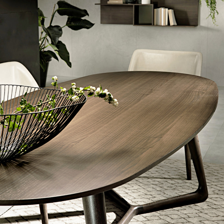 Cover Dining Table | Urban Avenue