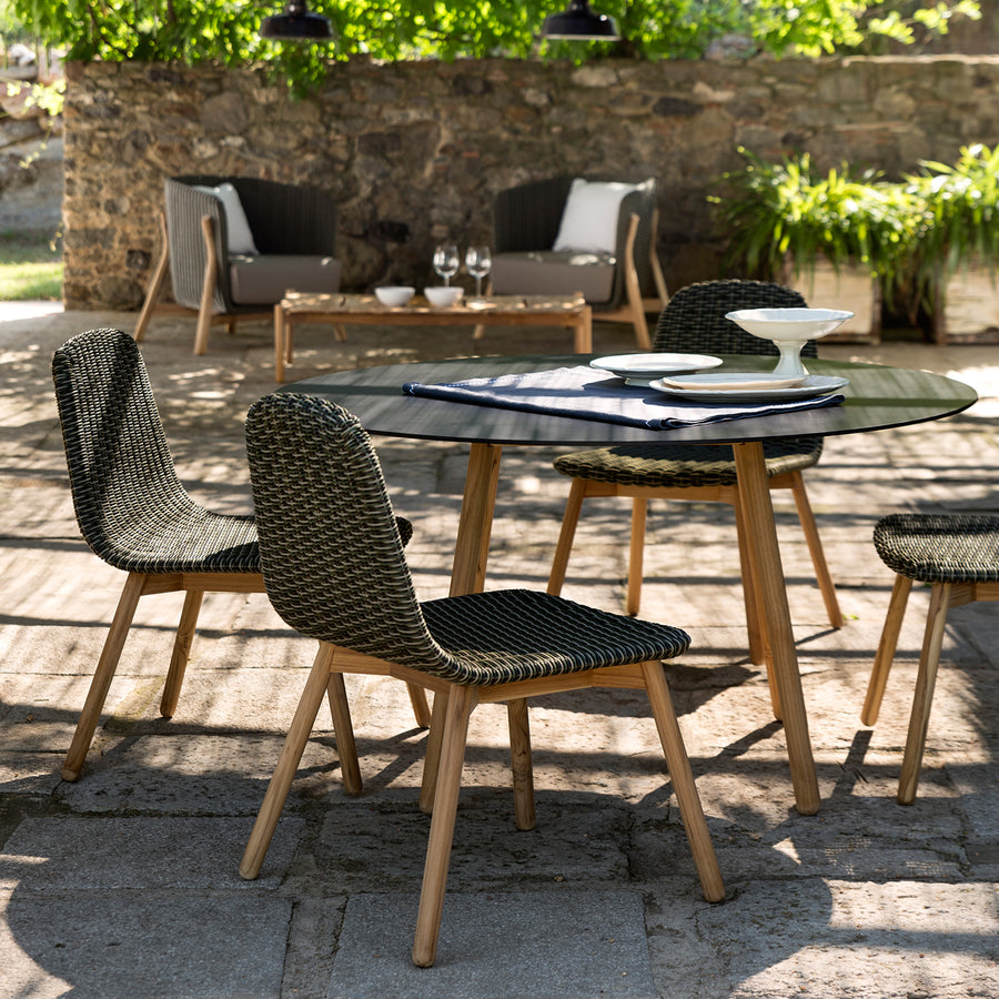 Round Outdoor Dining Table | Urban Avenue