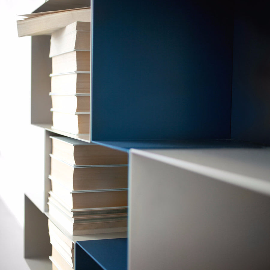 Spread Bookshelf