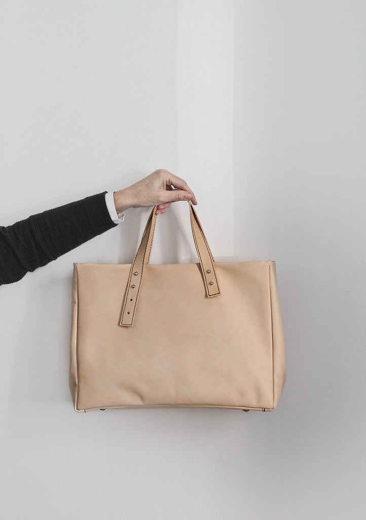 Francis - The Classic Handbag in Natural Leather / Petit