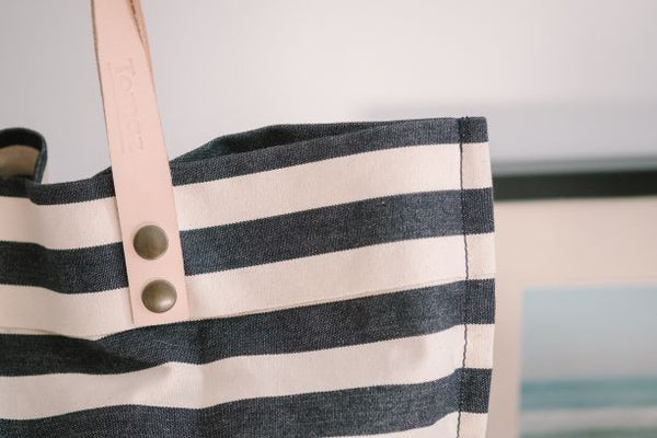 Stylish & Sunny - Casual Chic in Timeless Stripes