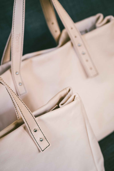 Francis - The Classic Handbag in Natural Leather