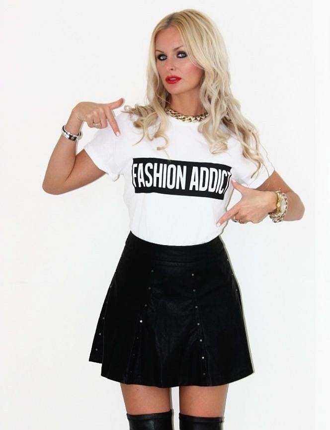 Fashion Addict T-shirt - Urbantshirts.co.uk