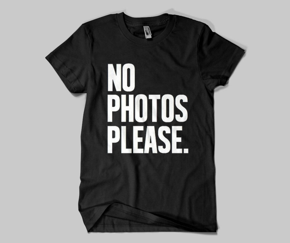 No photos please T-shirt - Urbantshirts.co.uk
