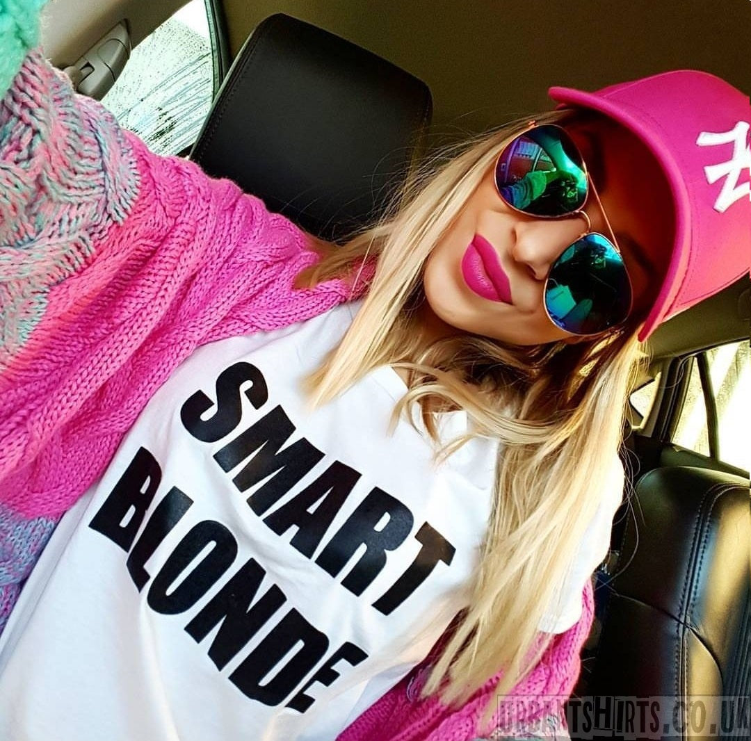 Smart Blonde T-shirt - Urbantshirts.co.uk