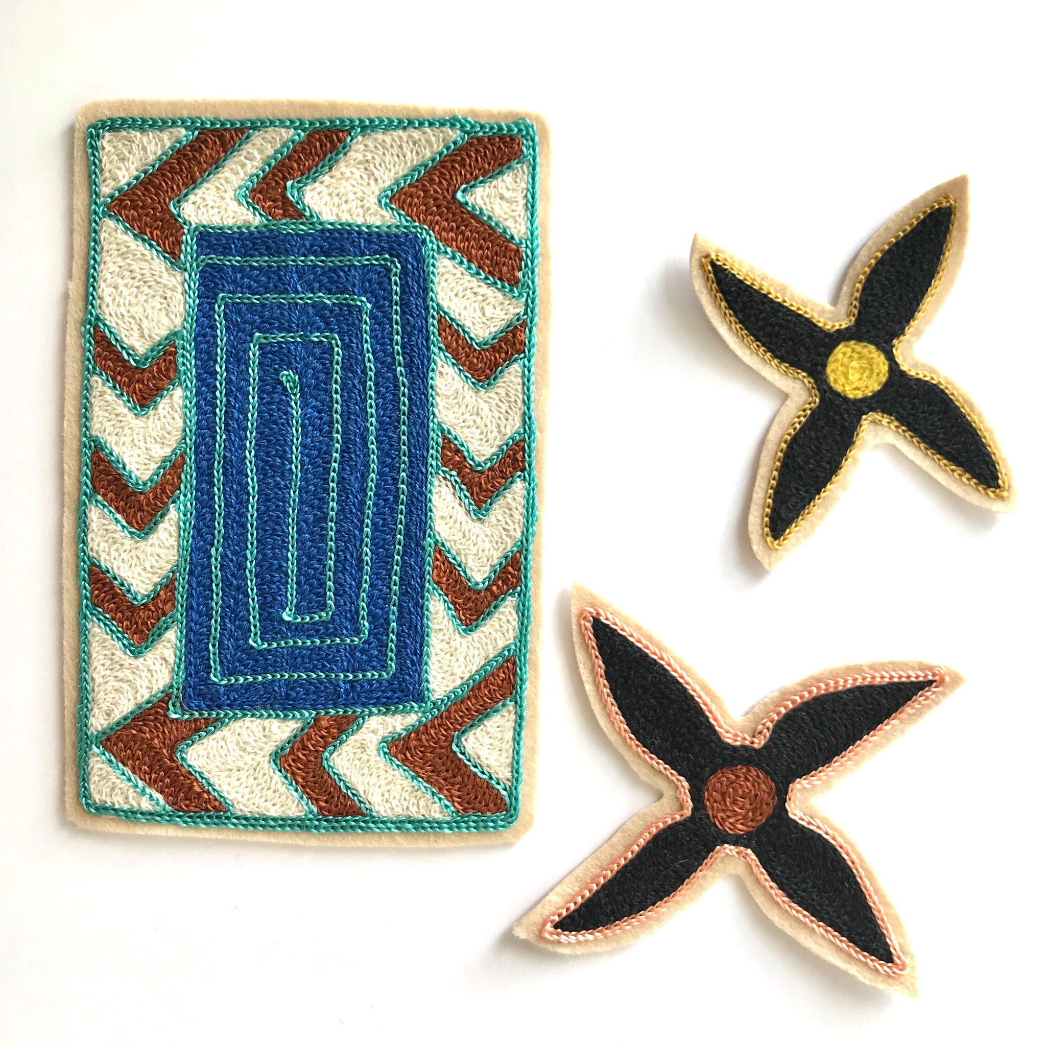 Black Flowers Patch Set