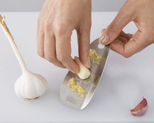 Shred- Line Garlic & Ginger Grater
