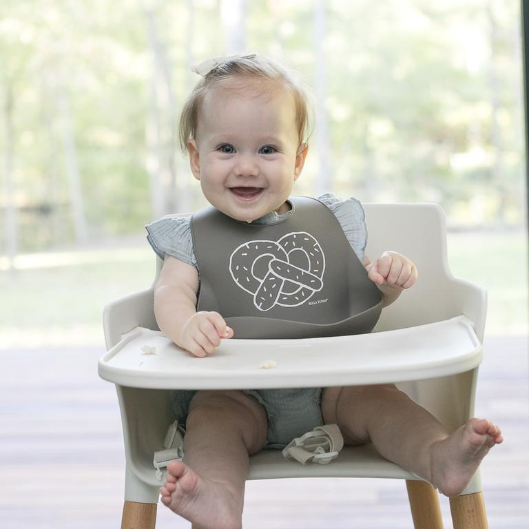 PRETZEL CART WONDER BIB