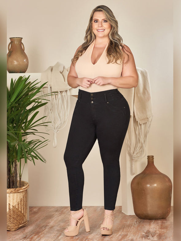 curvy colombian model butt lift black skinny jeans with nude heels