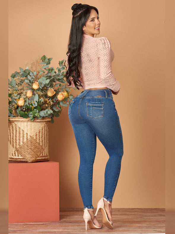 back view butt lift skinny colombian jeans with high heels and pink long sleeve