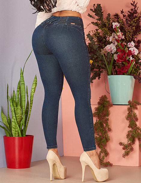 up close back view butt lifting colombian no pocket skinny jeans with nude high heels
