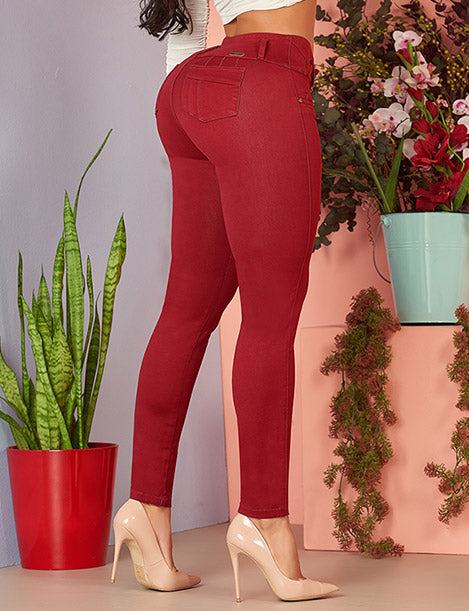 legs wearing colombian butt lifting marron wine colored skinny jeans and nude heels