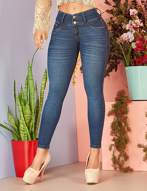 up close dark denim butt lifting colombian jeans and nude heels