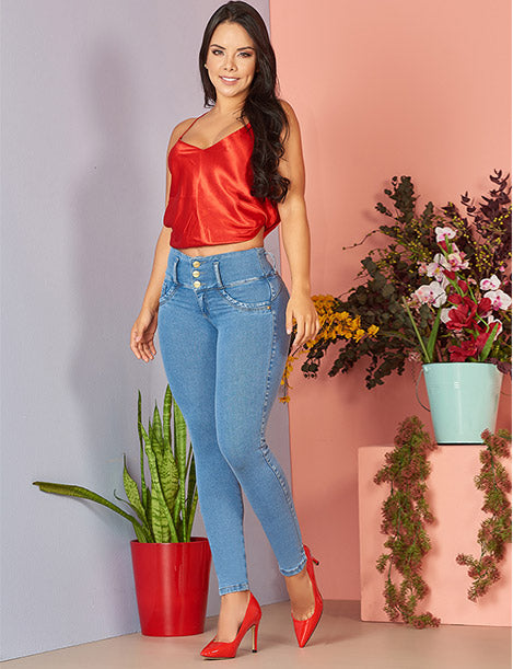 colombian woman red outfit inspiration silk top blue butt lift jeans colombian with red ruby shoes