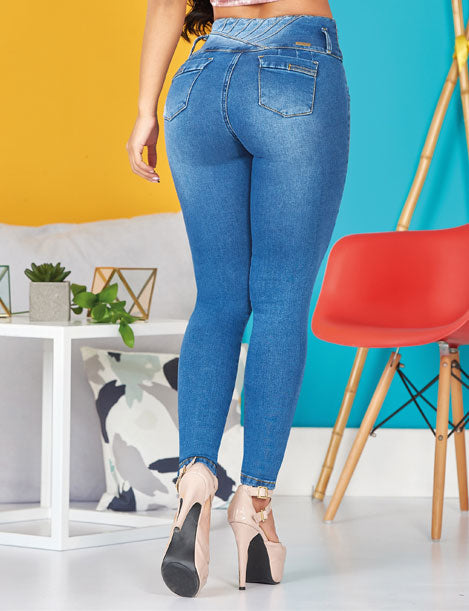 back view of colombian dark blue jeans push up and high heels