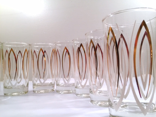 Anchor Hocking Mid-Century Festive Glassware in Original Box (Set of 8)