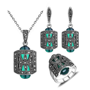 Antique Silver and Green Color  Rhinestone Fashion Vintage Jewelry Set