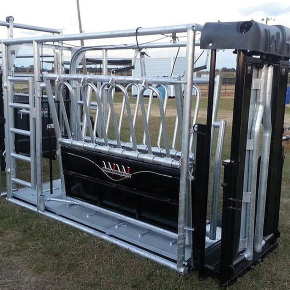 Livestock and Farm Equipment, Round Stock Tanks, Feeders, Head Gates and Panels