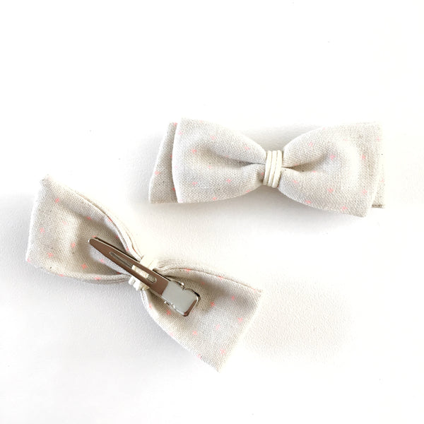 Beige/Pink Bow Clip