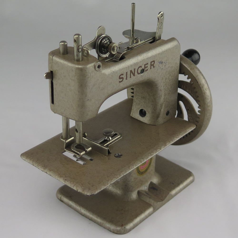 Toy Singer Sewing Machines From France – Fabulous Singer ...