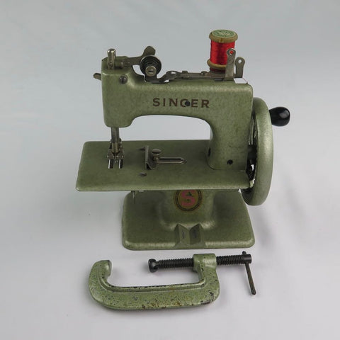 GREEN TOY SINGER 40 SEWHANDY FROM FRANCE Fabulous Singer Adorable Singer 20 Sewing Machine