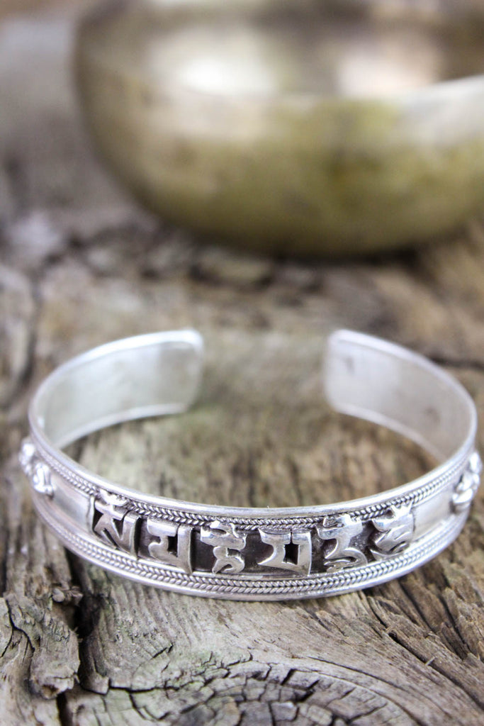 Tibetan Mantra Bracelet with Dorjes